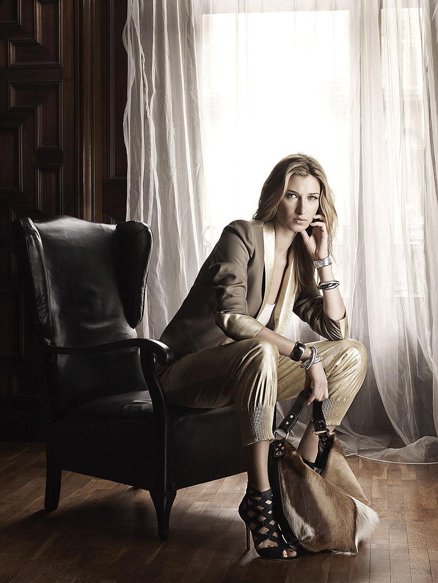 Lauren Remington by Toni Mateu